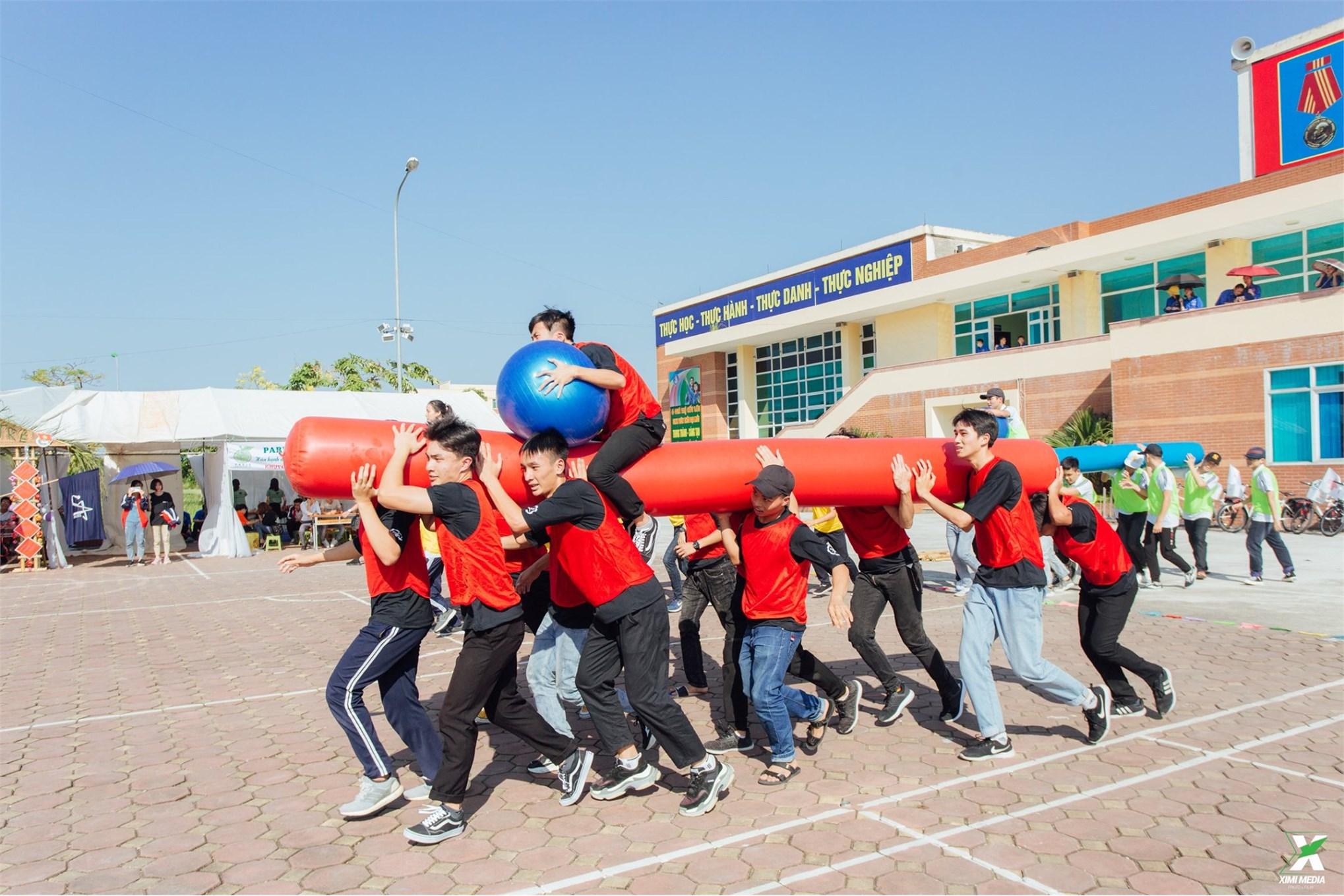 Sinh viên khoa Cơ khí tưng bừng trong ngày hội ` Sinh viên 5 tốt` năm 2019