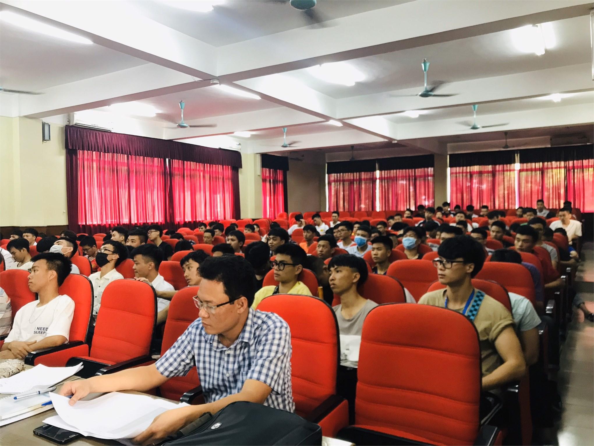 Cố vấn học tập và định hướng nghề nghiệp cho sinh viên hệ Đại học -K14