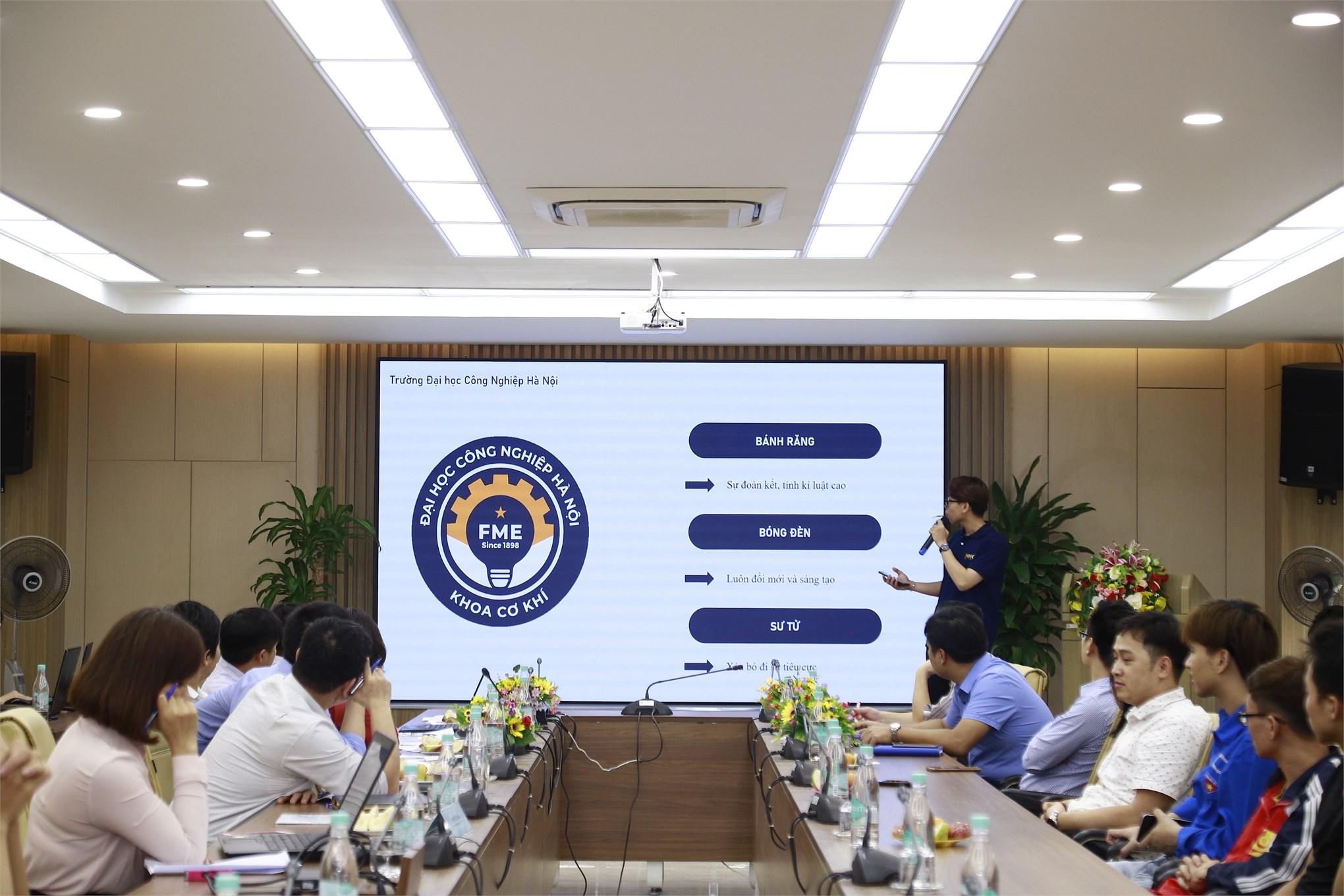 Sinh viên Trần Đăng Hùng Long xuất sắc giành giải nhất cuộc thi `Thiết kế logo khoa Cơ khí`