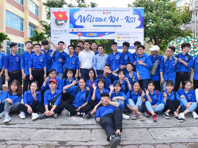 Khoa Cơ khí tưng bừng chào đón tân sinh viên đại học K14