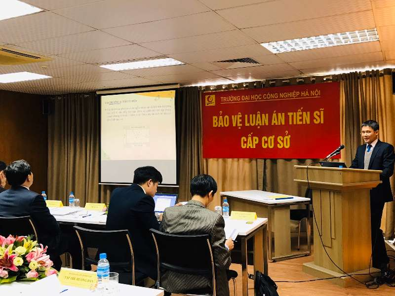 Nghiên cứu sinh Nguyễn Văn Đức bảo vệ thành công luận án tiến sĩ cấp cơ sở
