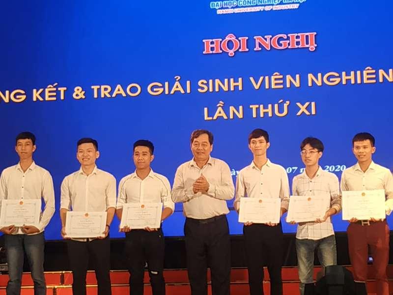 02 đề tài lĩnh vực Cơ khí được trao giải Nhất cuộc thi Sinh viên nghiên cứu khoa học lần thứ XI